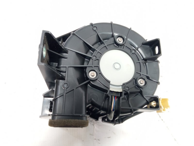 Мотор охлаждения батареи Toyota Corolla Fielder NRE161 1NZFXE 2013