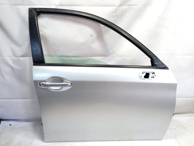 Дверь Toyota Corolla Fielder NRE161 1NZFXE 2013 передняя правая