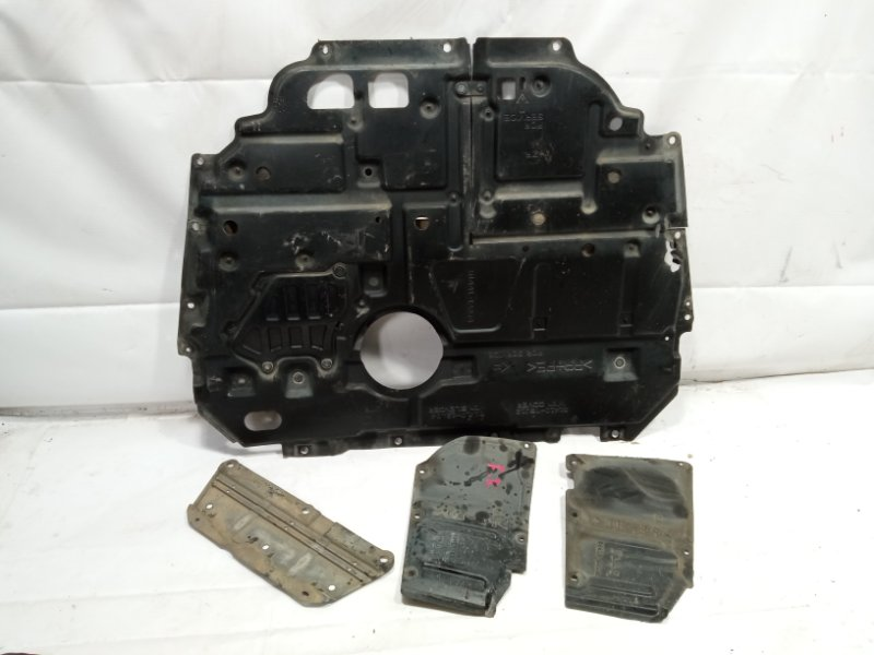 Защита двигателя Toyota Prius Alpha ZVW41 2ZRFXE 2011 передняя
