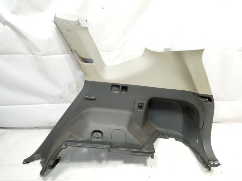 Обшивка багажника Toyota Prius Alpha ZVW41 2ZRFXE 2011 задняя правая