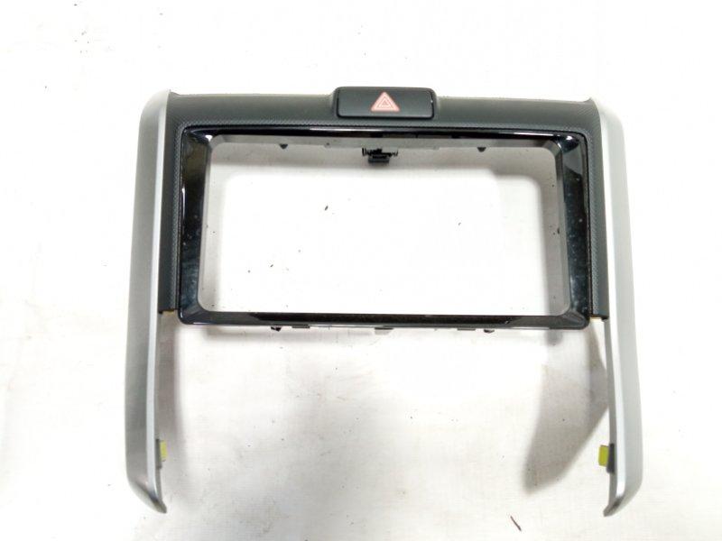 Консоль магнитофона Toyota Corolla Fielder NRE161 1NZFXE 2013
