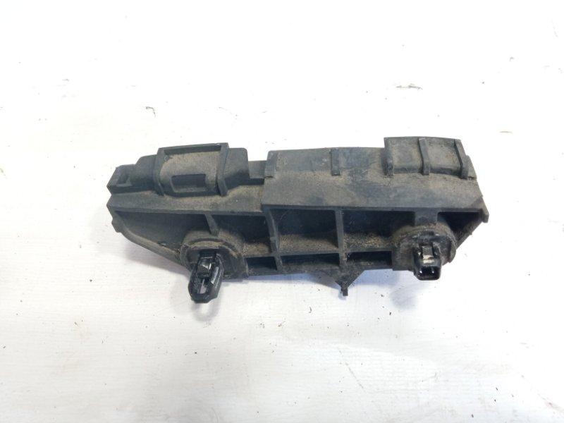 Крепление бампера Toyota Corolla Fielder NZE141 1NZFE 2009 заднее правое