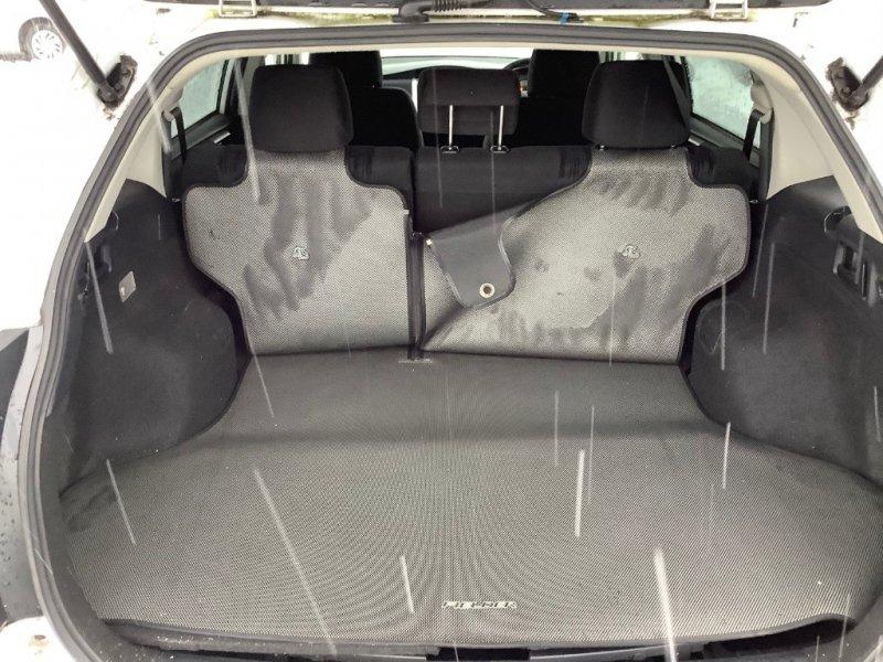 Коврик багажника Toyota Corolla Fielder NKE165 2ZRFAE 2012 задний
