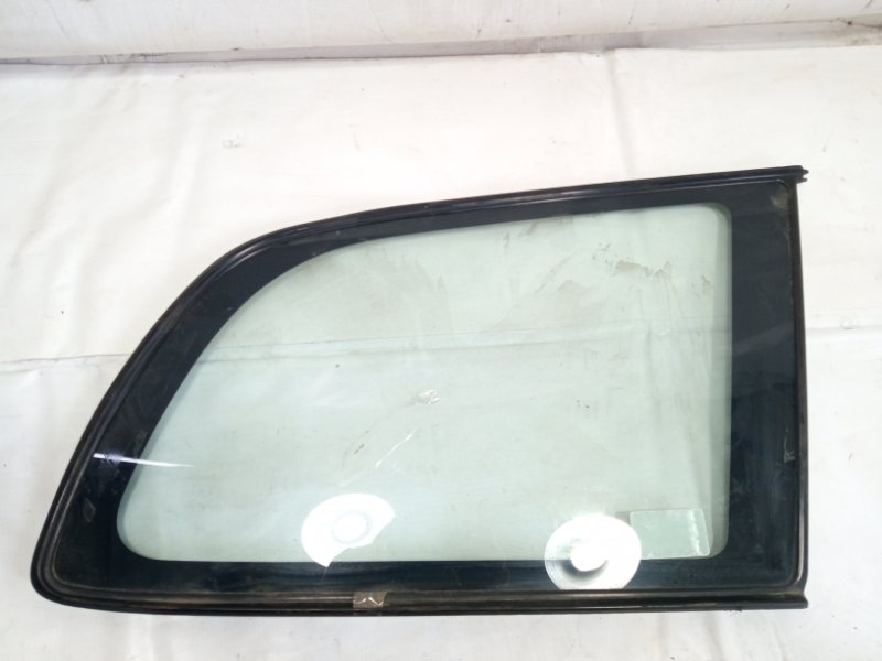 Стекло собачника Toyota Caldina AT191 2CT 1996 заднее правое