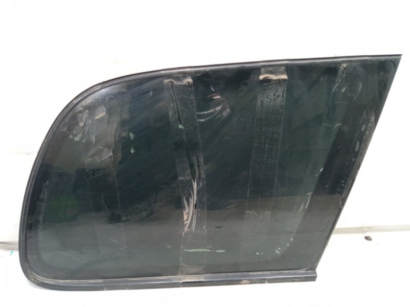 Стекло собачника Toyota Gaia SXM10 3CTE 2002 заднее правое