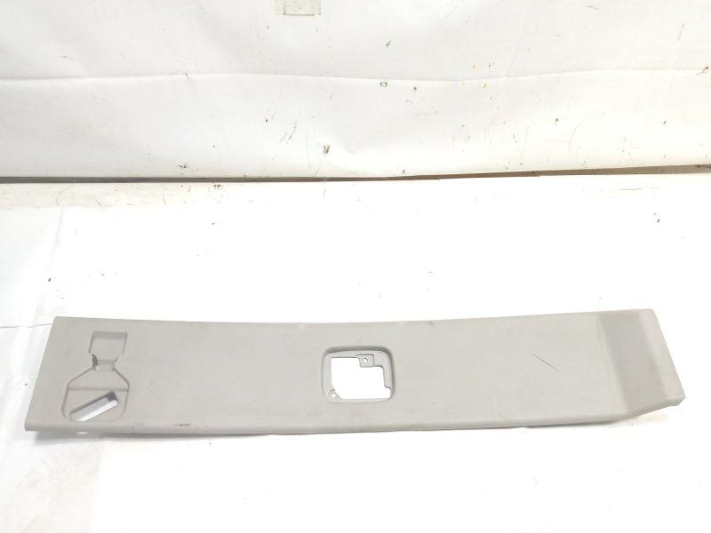 Обшивка потолка Infiniti Qx56 JA60 VK56DE 2005 задняя