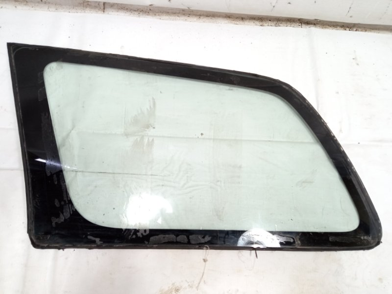 Стекло собачника Toyota Corolla Fielder NZE121 3CE 2002 заднее левое