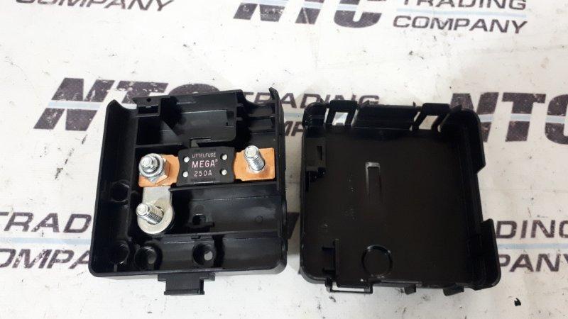 Плюсовой вывод в моторном отсеке Bmw 330Xi E46 XI M54B30 2002