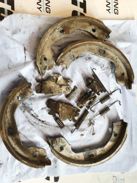Колодки ручника Bmw 5-Series E60 E60 M54B25 2004