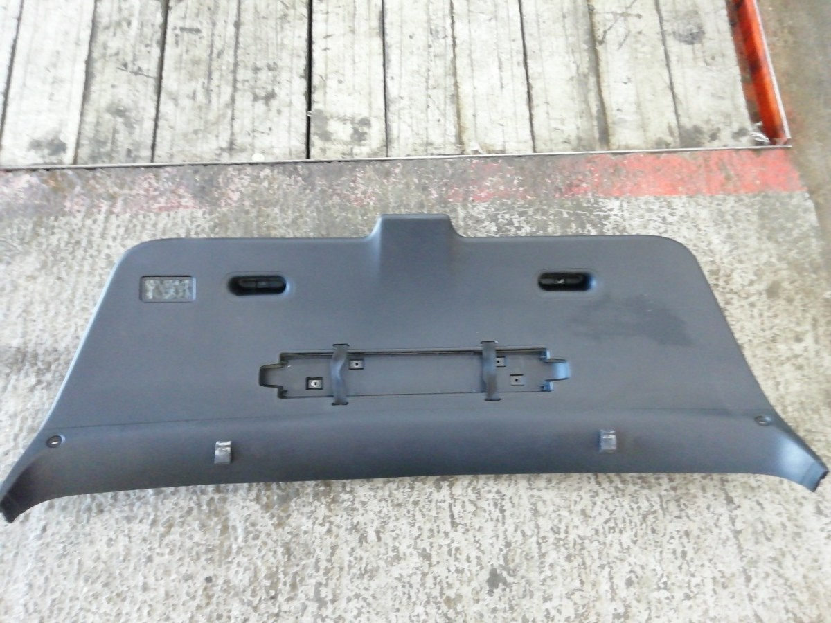 Обшивка крышки багажника Bmw E46 Compact