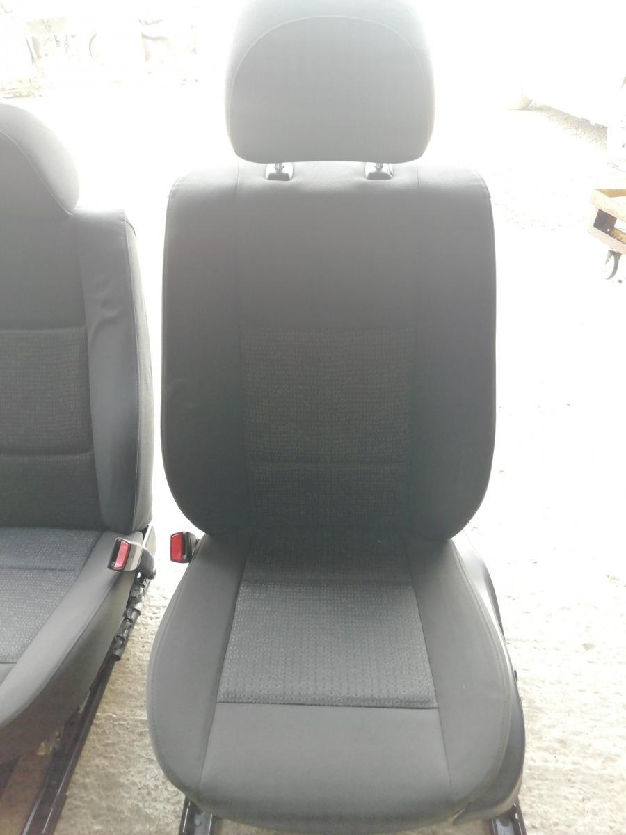 Передние сидения Bmw 330Xi E46