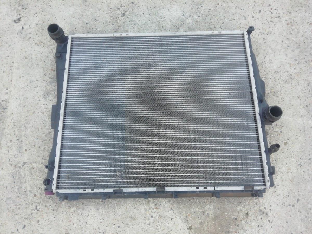 Радиатор охлаждения двигателя Bmw X3 E83