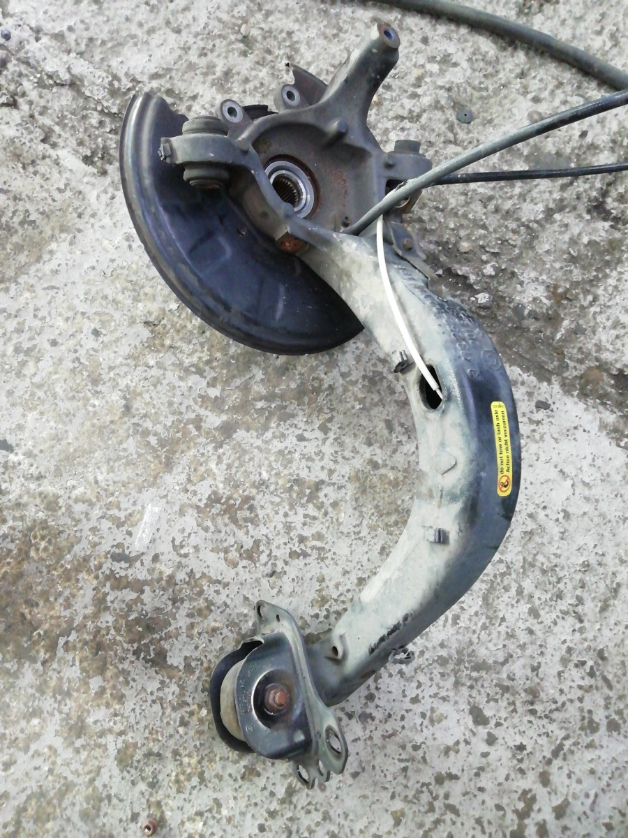 Опора поворотная Bmw X3 E83 задняя правая