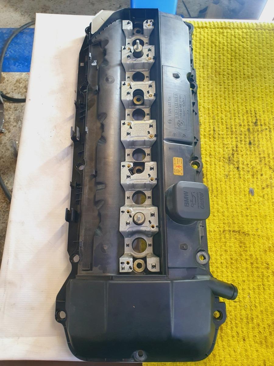 Крышка клапанов Bmw 5-Series E39 E39 M54B30 2002