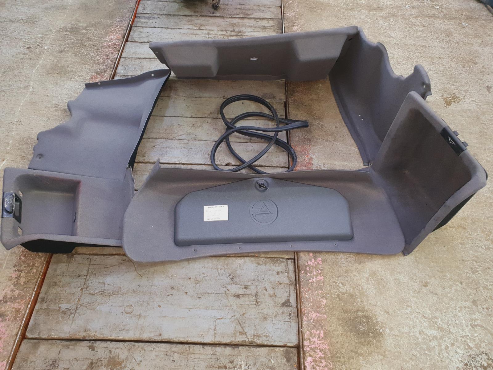 Обшивка багажника Bmw 5-Series E39 E39 M54B30 2001