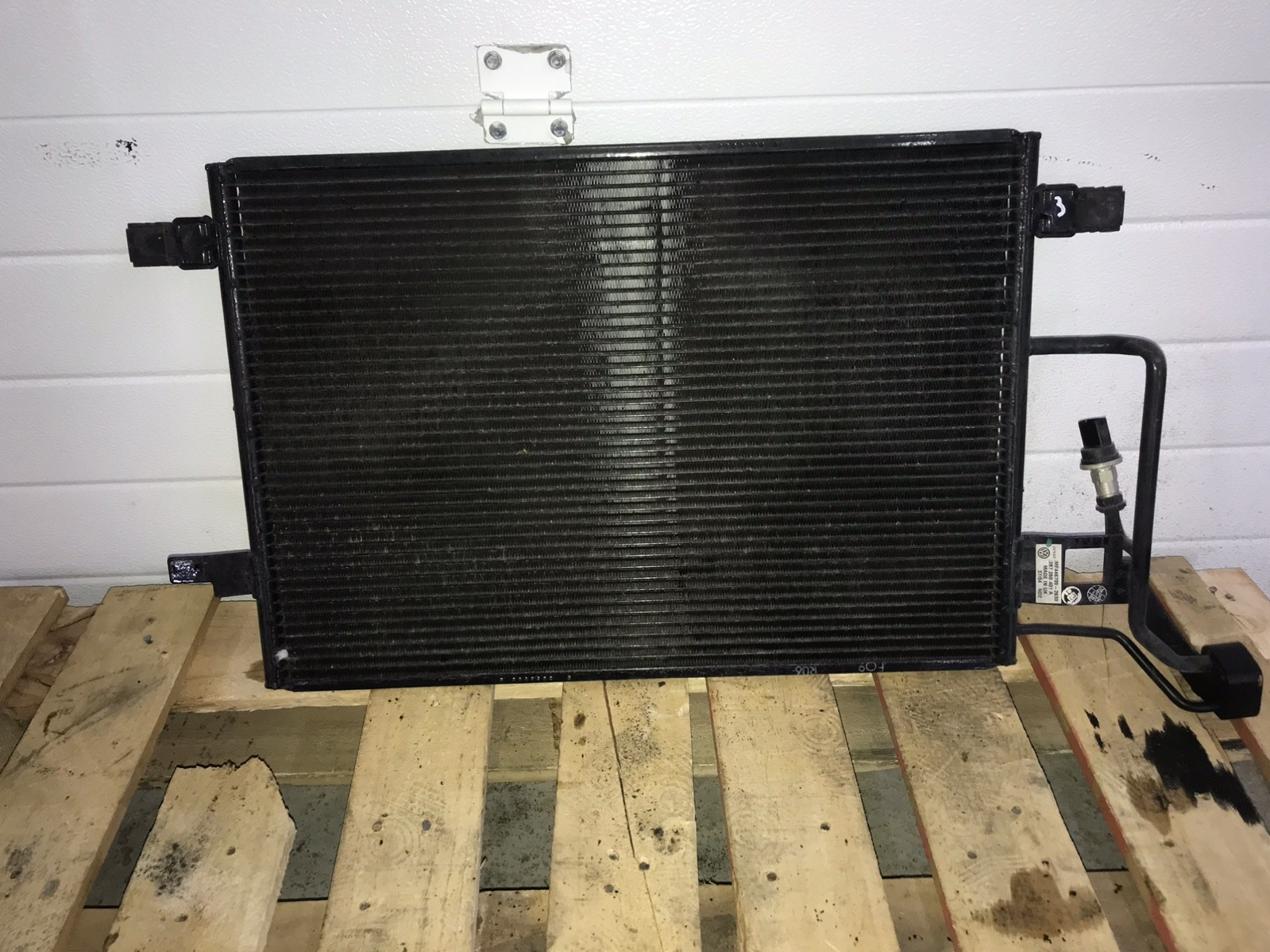 Радиатор кондиционера Volkswagen Passat B5+