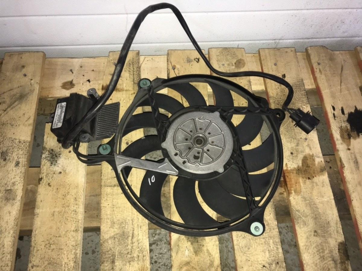 Вентилятор радиатора Volkswagen Passat B5+