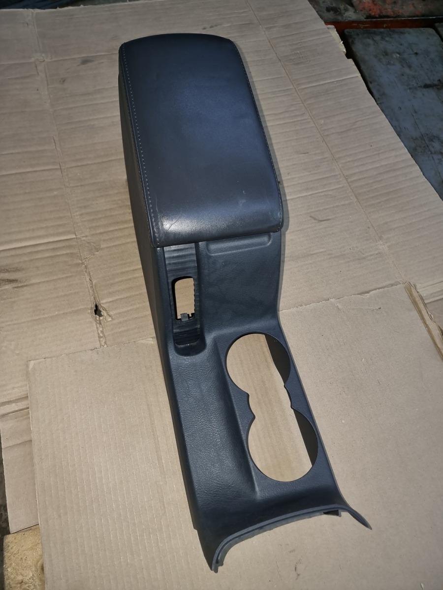 Подлокотник Volkswagen Passat B5+