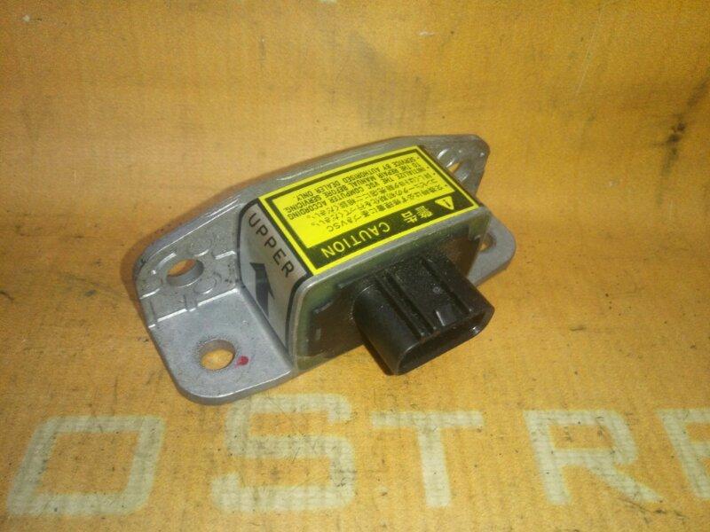 Датчик курсовой устойчивости Toyota Kluger ACU20W 1MZFE 2002