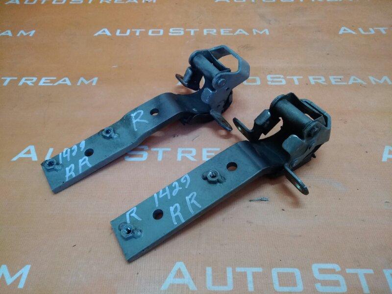 Петля 5-двери Isuzu Bighorn UBS25DW 4JG2 1996 задняя правая