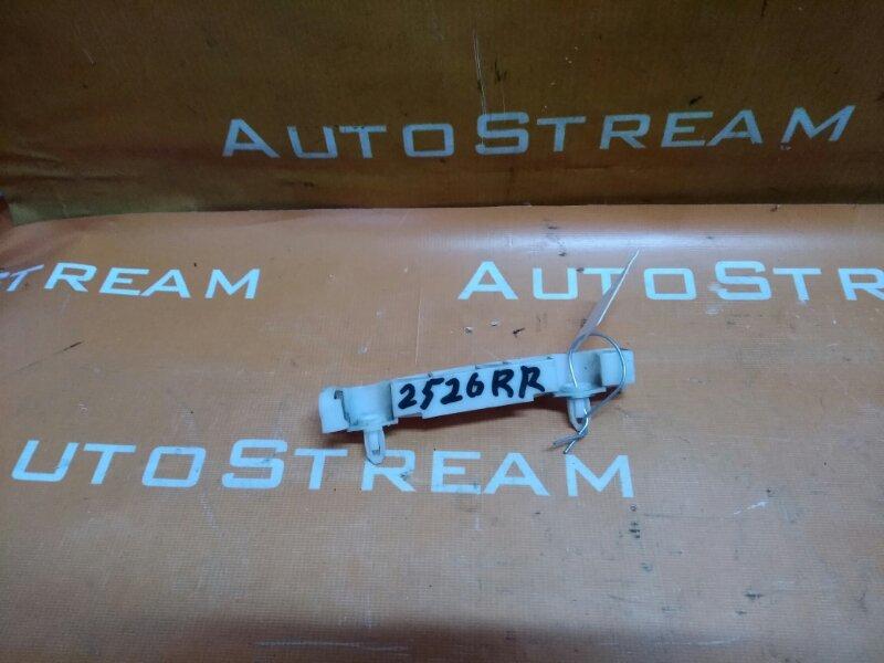 Крепление бампера Mitsubishi Outlander CW5W 4B12 2006 заднее правое