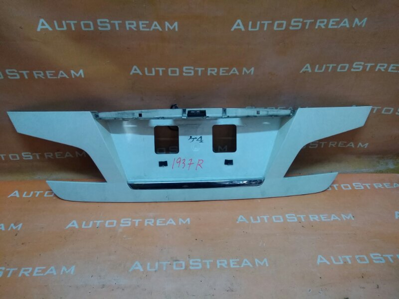 Стоп-вставка Nissan Fuga GY50 VQ35DE 2006 задняя