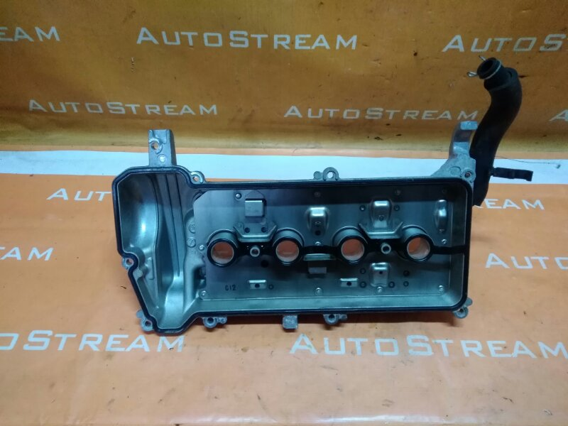 Клапанная крышка Toyota Aqua NHP10 1NZ-FXE 2013