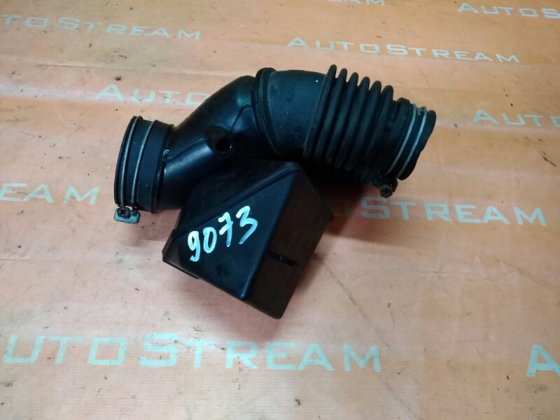 Патрубок воздушного фильтра Toyota Kluger ACU20W 1MZFE 1MZFE