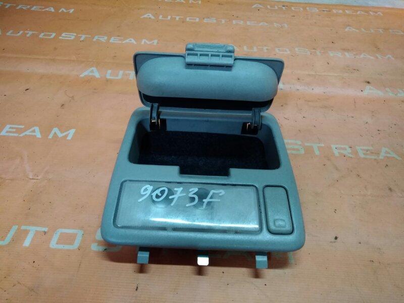 Плафон Toyota Kluger ACU20W 1MZFE 2002 передний