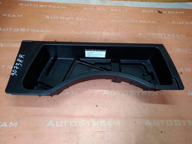 Ящик в багажник Toyota Kluger ACU20W 1MZFE 2002 задний