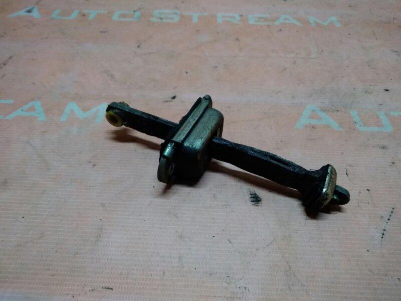 Ограничитель двери Nissan Mistral R20 TD27T 1995 задний левый