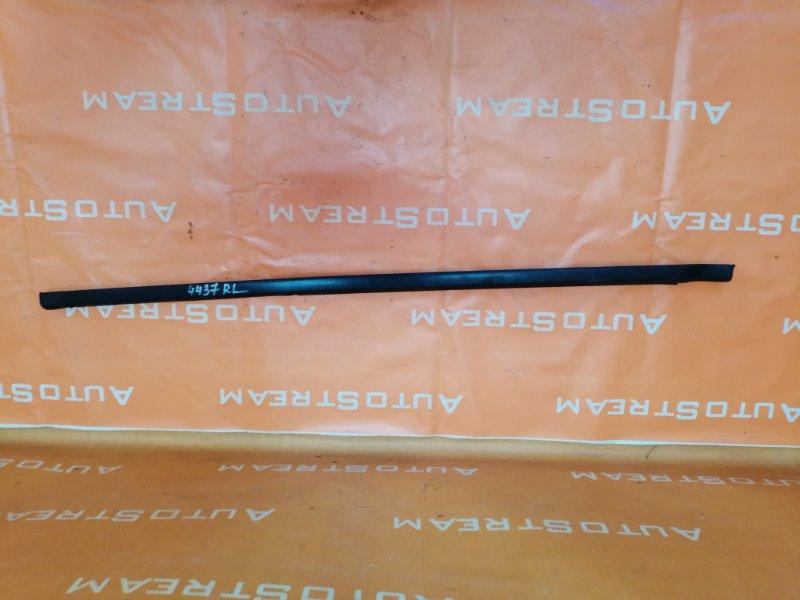 Молдинг стекла Isuzu Bighorn UBS25GW 4JG2 1996 задний левый