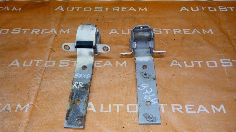 Петля 5-двери Isuzu Bighorn UBS25GW 4JG2 1996 задняя правая