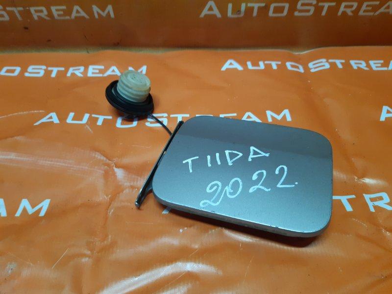 Лючок бензобака Nissan Tiida Latio SC11 HR15 2007