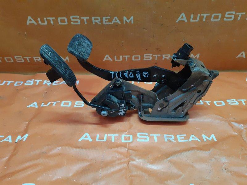 Педаль газа Nissan Tiida Latio SC11 HR15 2007