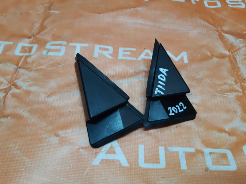 Треугольники зеркал Nissan Tiida Latio SC11 HR15 2007 передние