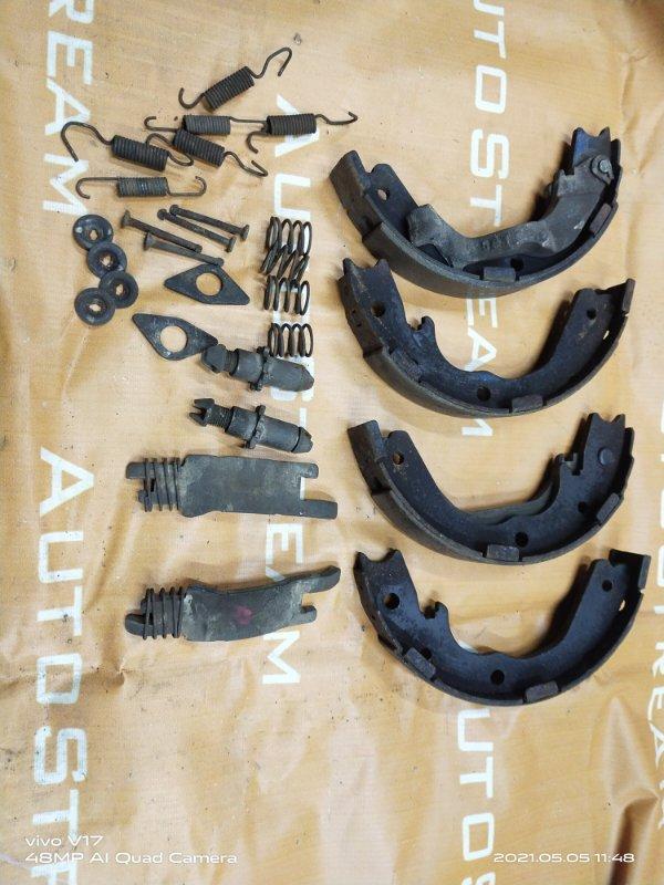 Колодки ручного тормоза Isuzu Bighorn UBS69GW 4JG2 1996 задние