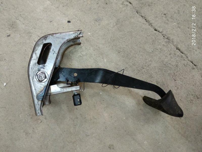Концевик под педаль тормоза Ssangyong Rexton 2008