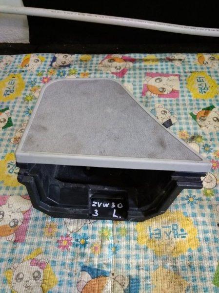 Обшивка багажника Toyota Prius ZVW30 2ZRFXE 2010 левая