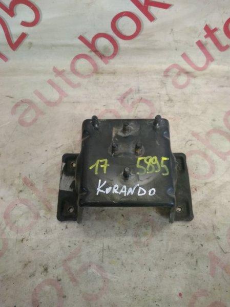 Крепление запасного колеса Ssangyong Korando KJ OM662 (662 920) 2002
