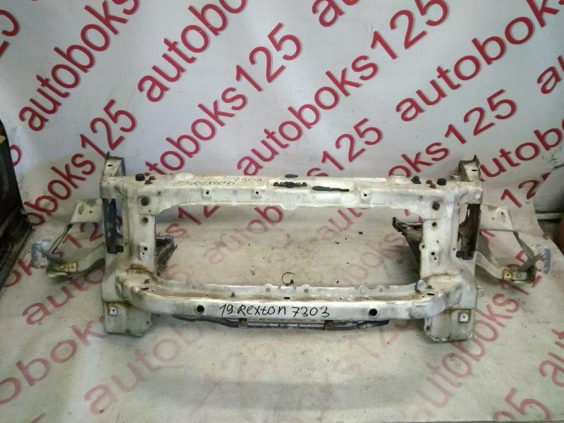 Рамка радиатора Ssangyong Rexton OM602 (662 935) 2003