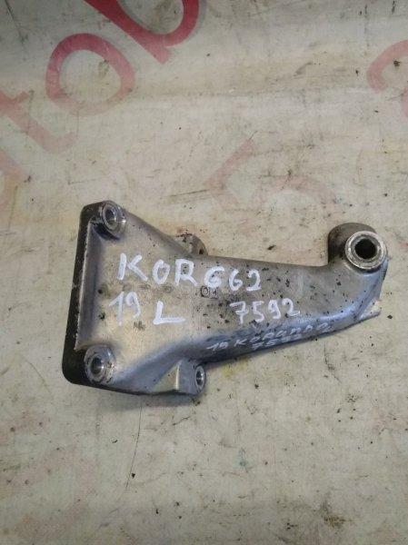 Кронштейн опоры двигателя Ssangyong Korando KJ OM662 (662 920) 2002 левый