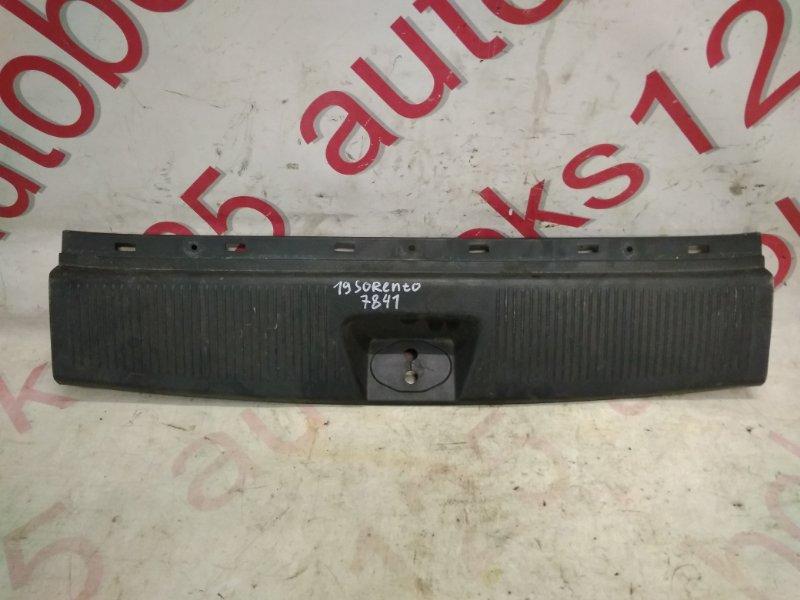 Накладка замка багажника Kia Sorento BL D4CB 2007