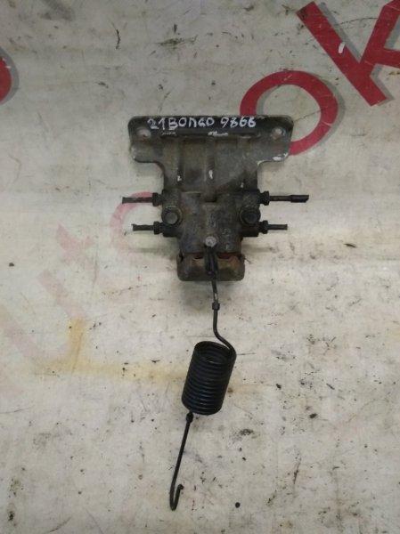 Регулятор давления тормозов Hyundai Grand Starex TQ D4CB 2010 задний