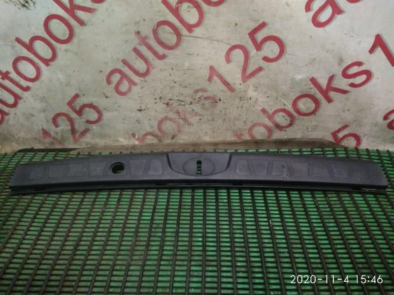 Накладка замка багажника Kia Mohave HM D6EA 2008