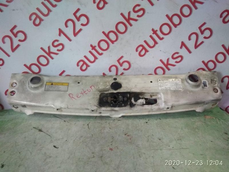 Рамка радиатора Ssangyong Rexton OM662 (662 920) 2004