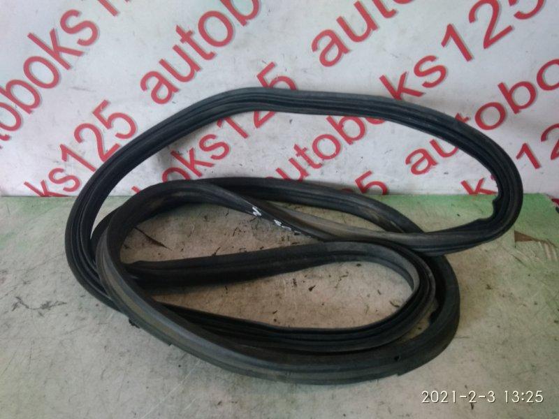 Уплотнительная резинка Ssangyong Actyon CK D20DTF (671950) 2011 задняя