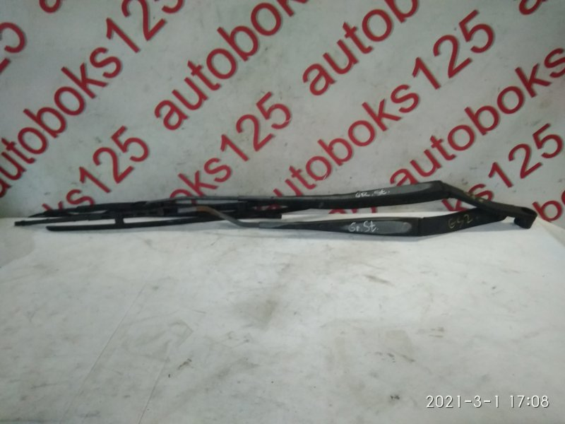 Держатель щетки стеклоочистителя Hyundai Grand Starex TQ D4CB 2009