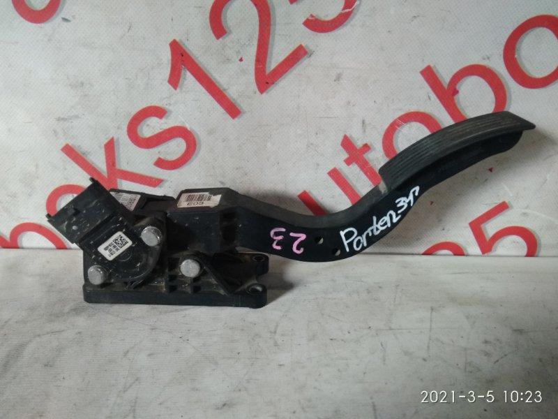 Педаль газа Hyundai Porter D4CB 2007
