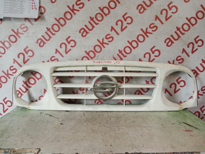 Решетка радиатора Ssangyong Korando KJ 2003